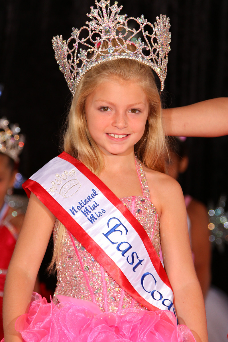 Mini Miss East Coast USA Aryana Williamson